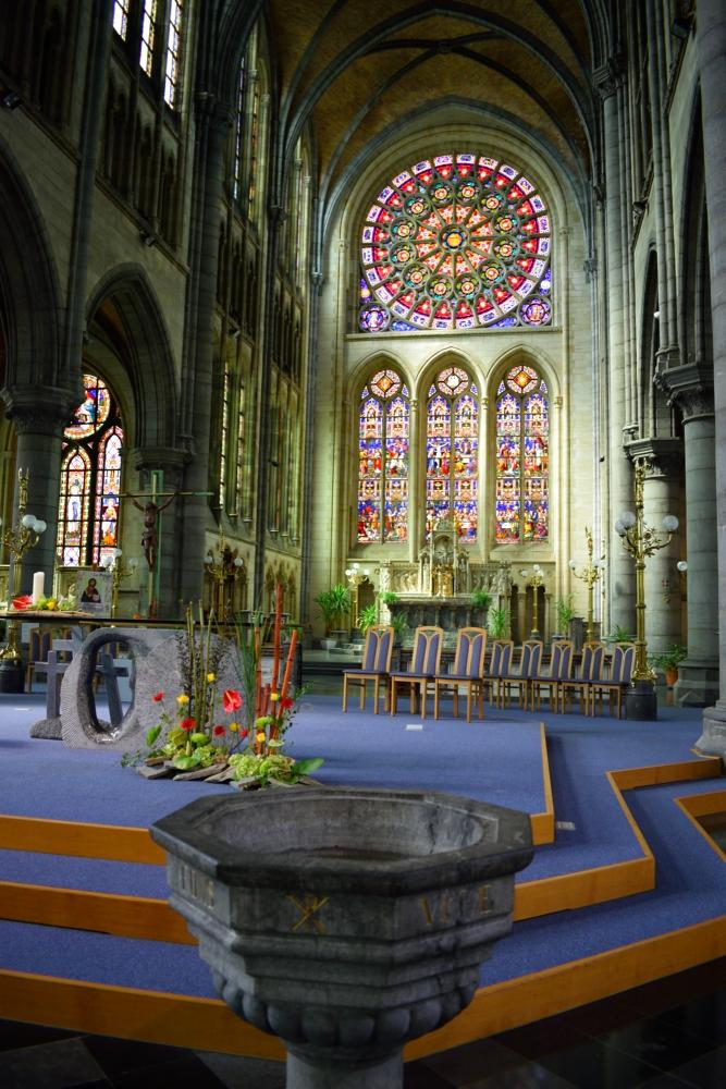 interieur eglise saint martin arlon