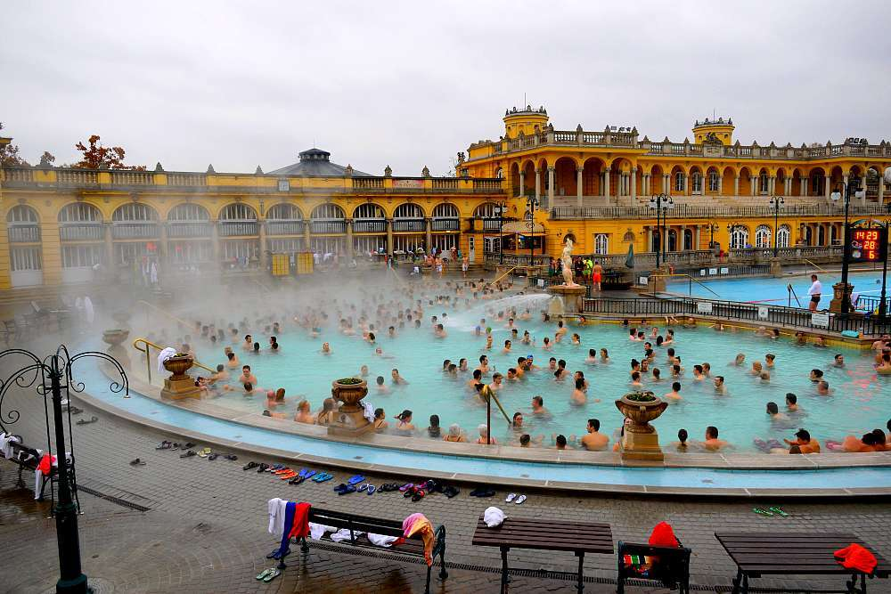 les bains thermaux sz chenyi de budapest moi cam l on