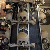 colonne crânes os