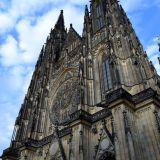 exterieur-cathedrale-saint-guy
