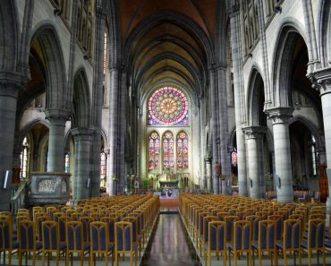 eglise saint martin arlon intérieur