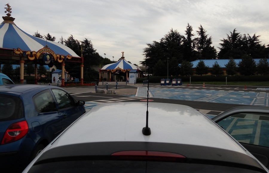 parking securite disneyland paris