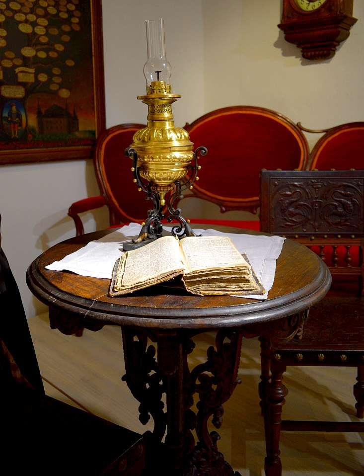 vieux-livre-200-ans