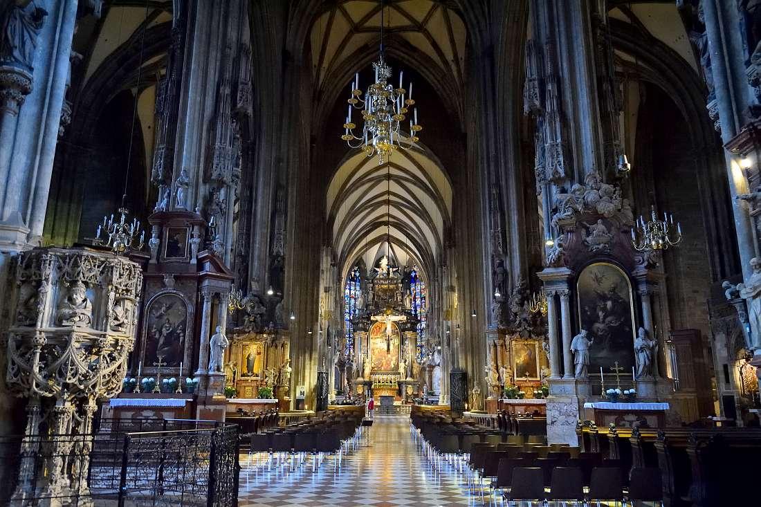 intérieur église saint Etienne Vienne