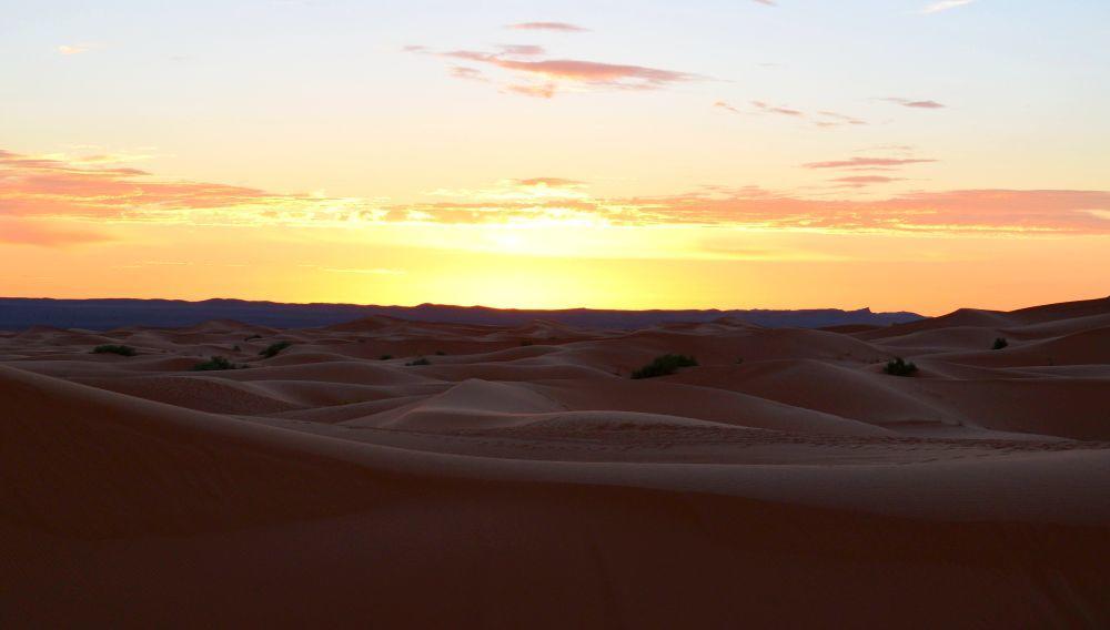 Lever de soleil désert