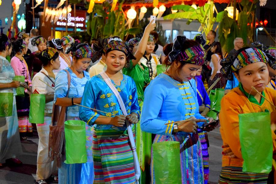 costumes traditionnels thailande