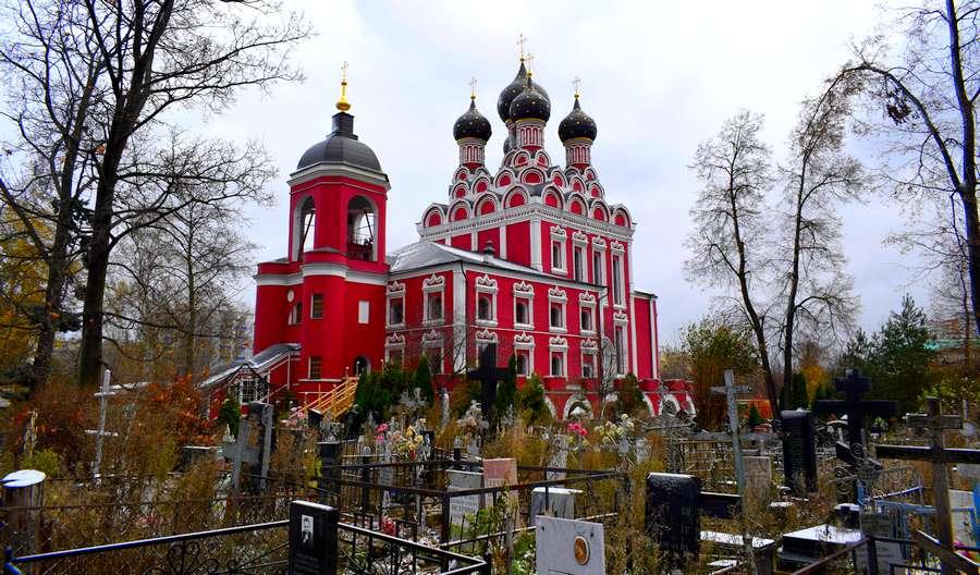 eglise Tihvinskiy