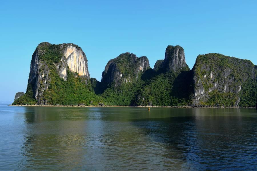 baie halong au vietnam