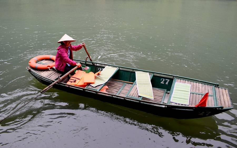 barque baie halong terrestre