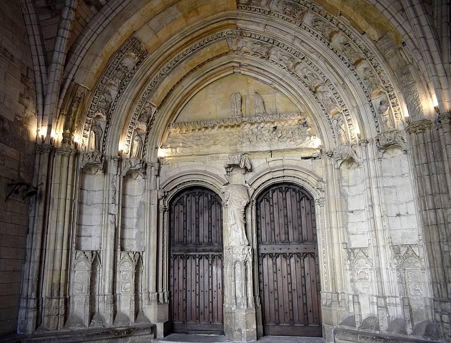 palais des papes interieur
