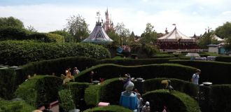 labyrinthe alice disneyland paris