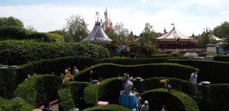 labyrinthe alice disneyland paris
