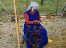 tisseuse médiévale